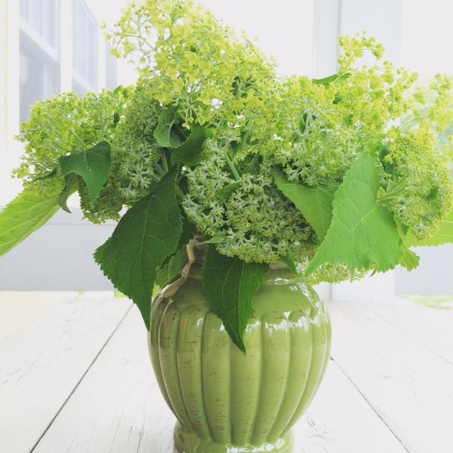 chartreuse bouquet